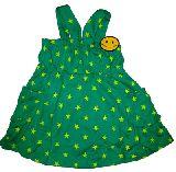 子供服 $A スター総柄 ニコちゃんワッペン付き ワンピース グリーン 100・130cm