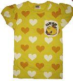 子供服 $ヒヨコちゃんワンポイント付き ハートいっぱいTシャツ キイロ 100から130cmまで